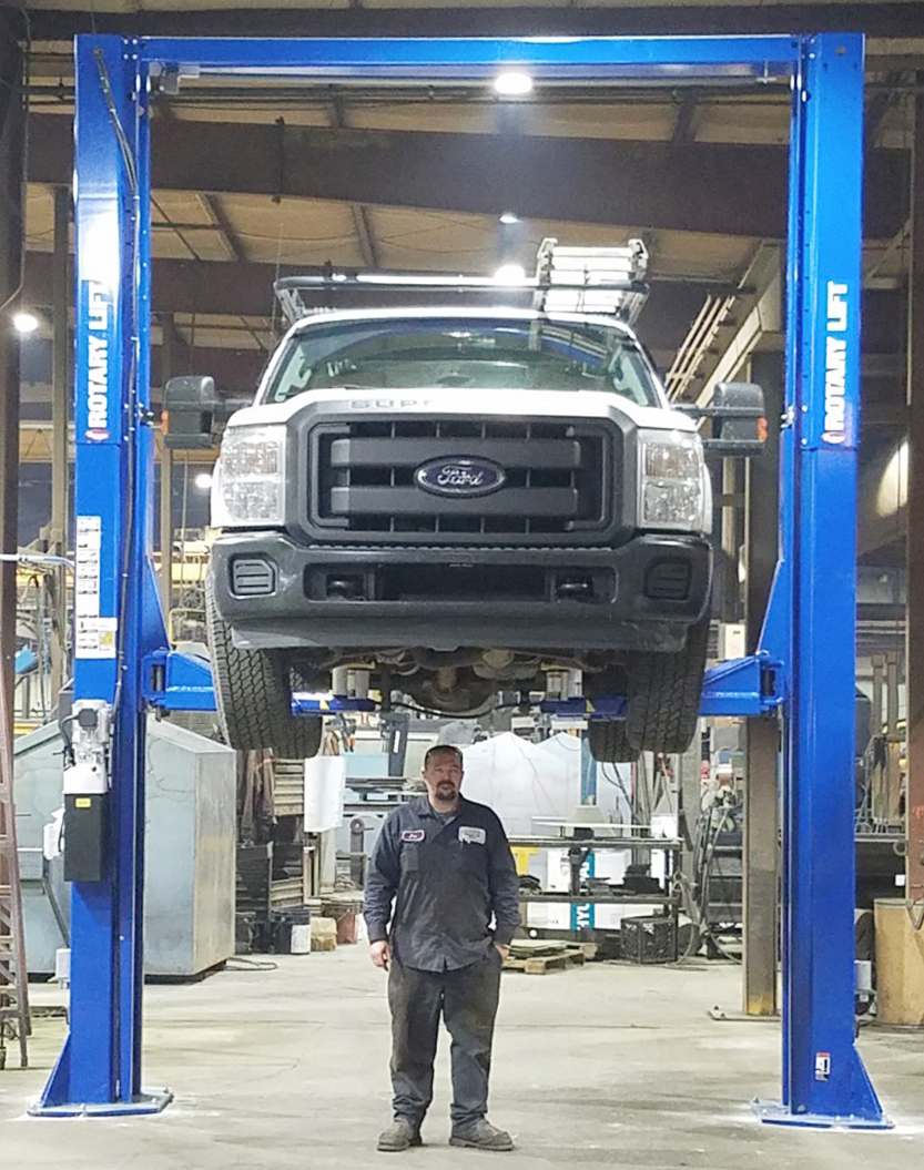 Michigan Car Lifts & Post Lifts For Garage | Dows Equipment